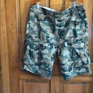 Levi's Cargo Camo Men Shorts Size W 40